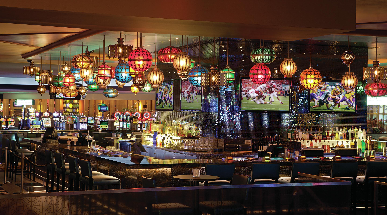 Las Vegas Lounge Bars - Centra - Luxor Hotel & Casino
