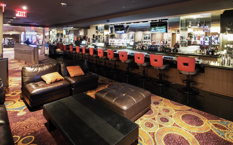 Bars In Las Vegas High Bar Luxor Hotel Amp Casino
