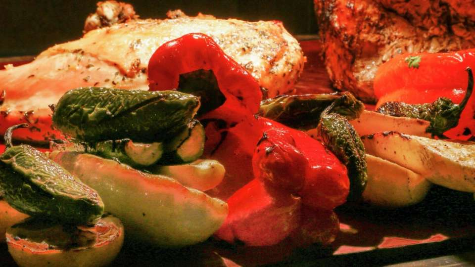 Luxor Food  Hours