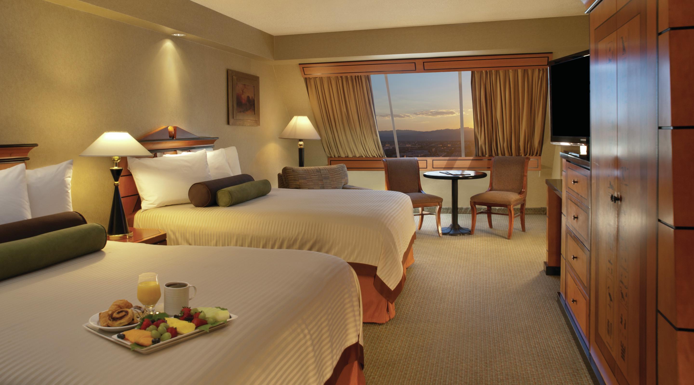 Double Queen Beds Pyramid Queen Room Luxor Hotel Amp Casino